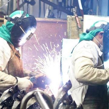 Produção industrial cai 0,3% de junho para julho