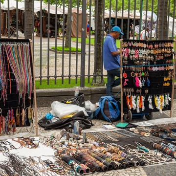 Informalidade atinge recorde em Pernambuco, diz IBGE