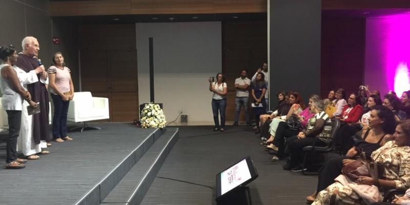 O evento contou com participação da repórter Bianka Carvalho, a economista Tânia Bacelar e a cantora Fafá de Belém.