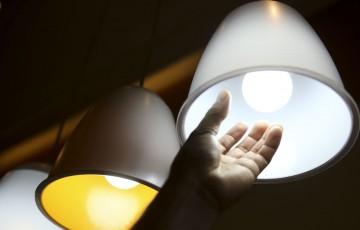 Energia elétrica é cara para 84% dos brasileiros