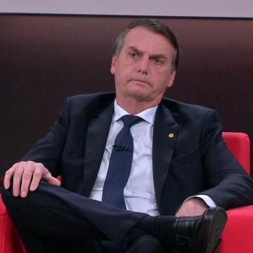 Bolsonaro critica taxa cobrada para turistas em Fernando de Noronha