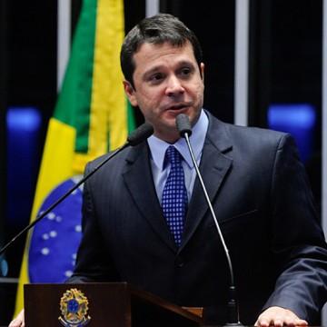 """Senador de Brasília decide ingressar no """"Podemos"""""""