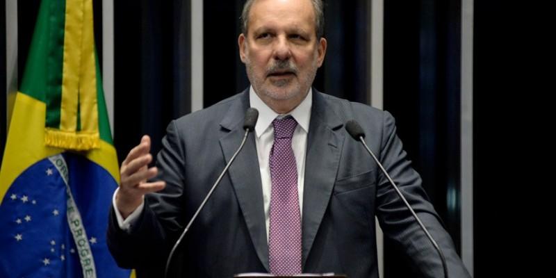 Ex-senador aposta no nome de Raquel Lyra para disputa ao governo do estado