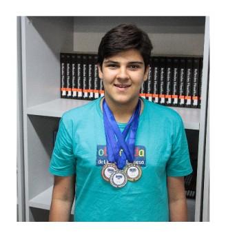 Aluno da rede municipal de Caruaru é ouro na Olimpíada de Língua Portuguesa
