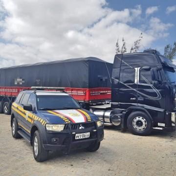 PRF apreende caminhão que vinha do Pará
