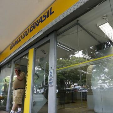Bancários de Pernambuco realizam protesto contra reestruturação do Banco do Brasil