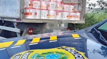 PRF apreende 9 toneladas de margarina sem nota fiscal em Garanhuns