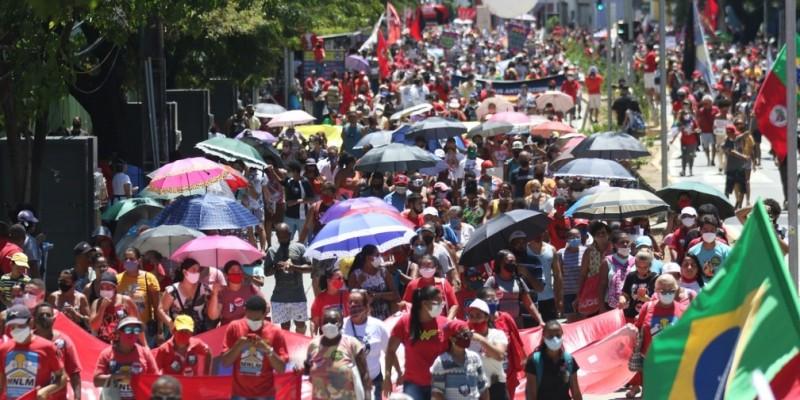 Segundo os dados do IBGE, divulgados nesta semana, o País ainda tem 14 milhões de brasileiros na fila do desemprego
