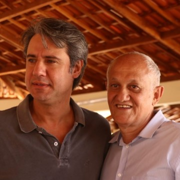 Fernando Monteiro inaugura creche e quadra poliesportiva em Cabrobó