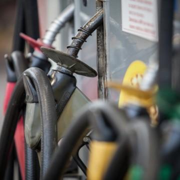 Preço da gasolina aumenta nas refinarias