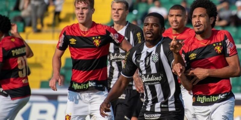 Em Florianópolis, Leão vence por 2x1, crava permanência no G4  e enterra rival na zona de rebaixamento.