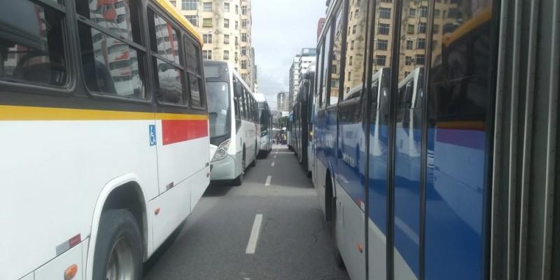 Todos os ônibus com até oito anos de fabricação vão ter que ser refrigerados