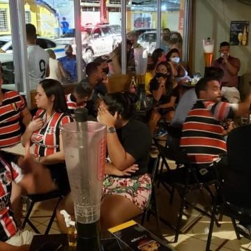 Três bares são interditados pelo Procon durante o feriado do Réveillon