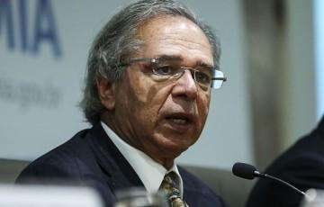 Empresários pedem a Paulo Guedes que governo intervenha sobre bancos