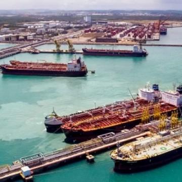 Porto de Suape completa 42 anos liderando a movimentação de cabotagem e granéis líquidos