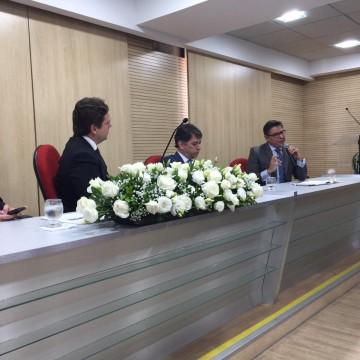 Palestras sobre Pacto Federativo marcam aniversário da PGE