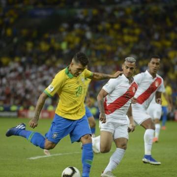 Copa América: Brasil enfrenta seleção peruana no Nilton Santos