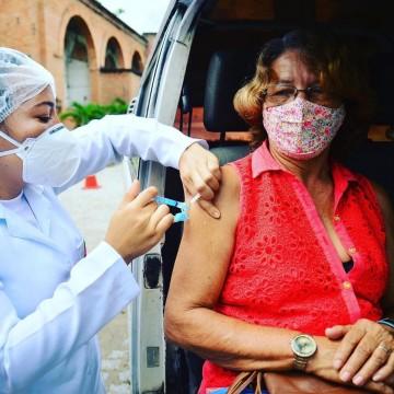 Camaragibe realiza drive thru apenas para segunda dose da vacina, nesta quinta (22)