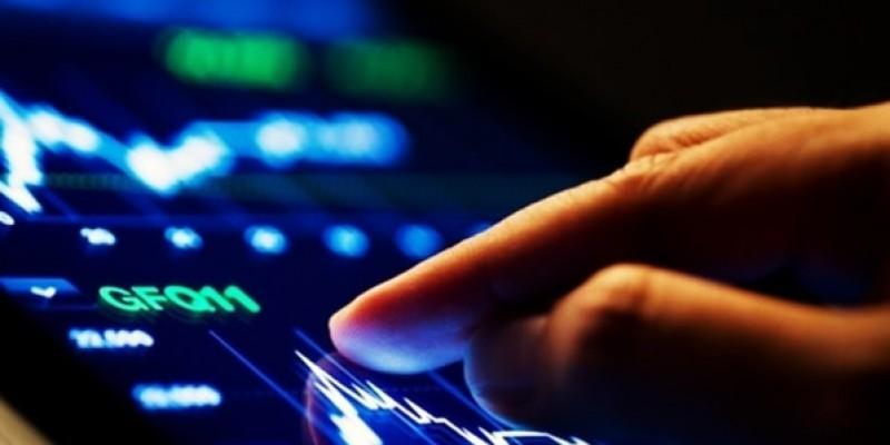 """O levantamento """"Profissões Emergentes"""" aponta que o gestor de redes sociais ocupa a primeira posição do ranking, seguido pelo engenheiro de cibersegurança e o representante de vendas"""