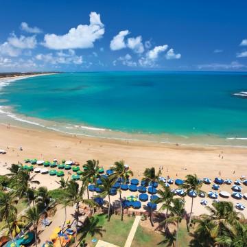 Alta do dólar contribui para o aquecimento do turismo no Brasil