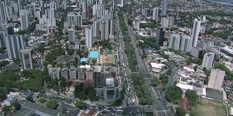A plataforma de busca de imóveis verificou os dados de 25 cidades brasileiras e na capital pernambucana o preço médio do aluguel no mês passado ficou em pouco mais de R$30 por metro quadrado