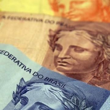 Bolsonaro prorroga alíquota zero de IOF sobre crédito