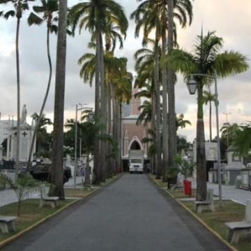 Cemitérios públicos investem em túmulos biosseguros para sepultamentos de vítimas da Covid-19