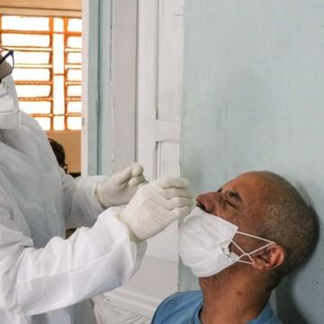 Oito bairros do Recife recebem testes gratuitos e vacinação itinerante contra a Covid-19