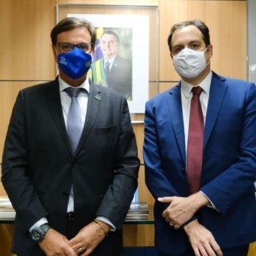 Em reunião com ministro do Turismo, Paulo Câmara descarta possibilidade de lockdown