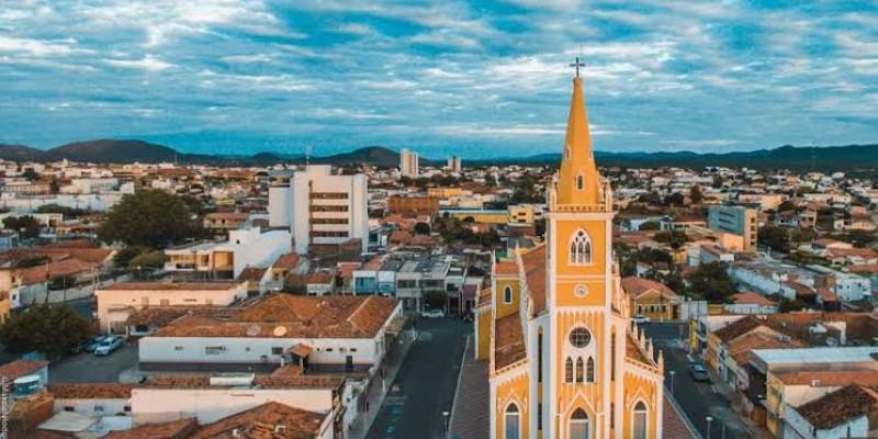 Cidades-polo como Arcoverde, Serra Talhada e Afogados da Ingazeira estão sendo monitoradas pelo estado, que não descarta adotar medidas mais rígidas na região