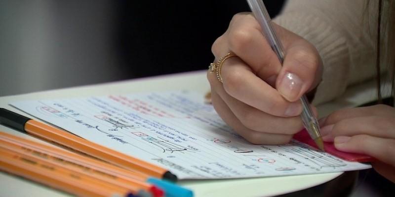 O Programa disponibiliza bolsas de estudos em faculdades particulares para estudantes de baixa renda em 33 opções de curso
