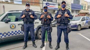 Guarda Municipal prende mulher suspeita de roubar carteira em Caruaru