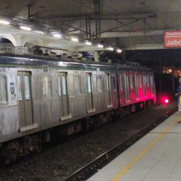 Metrô do Recife volta a circular após colisão de dois trens