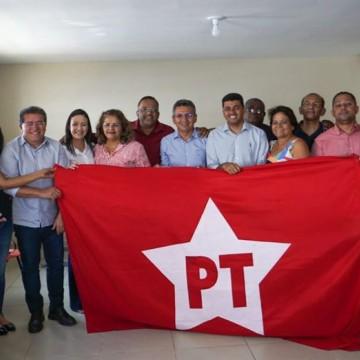 PT reúne prefeitos da legenda em busca de reeleição nos municípios de PE