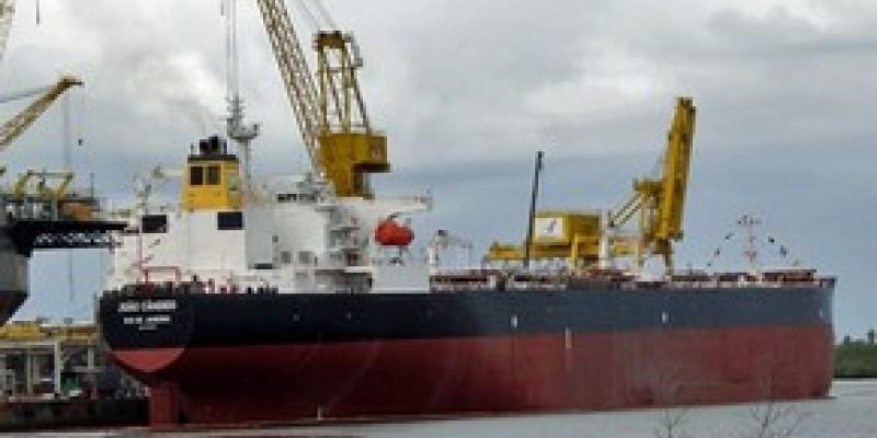 A embarcação implantará um Ponto de Abastecimento de Aeronaves na Ilha