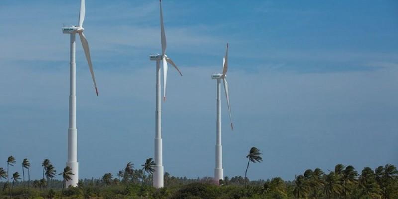 Período de safra de ventos, com velocidade que chegam a 60 km/h, faz região exportar energia