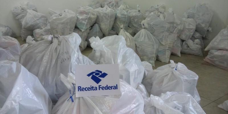 A Operação Mascates fecha o cerco contra mercadorias comercializadas irregularmente na região central do Recife.