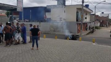 Moradores do Bairro João Mota protestam contra desapropriação para obra da Via Parque