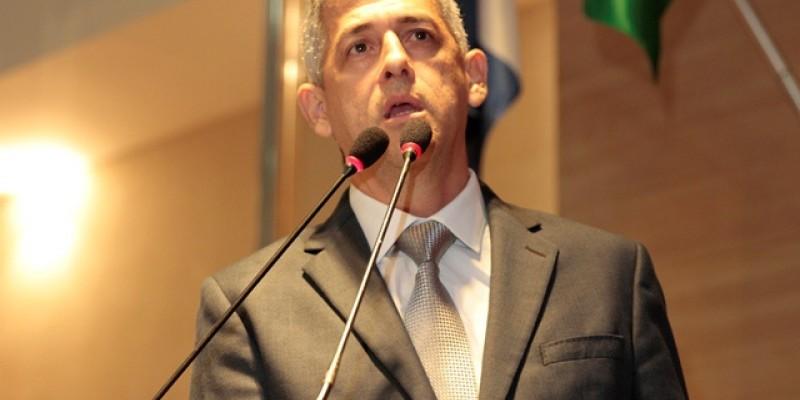 PL, aprovado pela Câmara do Recife, é de autoria do vereador André Régis. De acordo com ele, a alimentação indevida dos animais pode potencializar a reprodução da espécie, acarretando num desequilíbrio ambiental na cidade