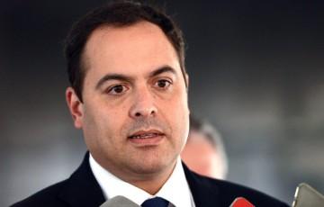 Paulo Câmara prorroga fechamento do comércio e atividades não essenciais até 30 de abril