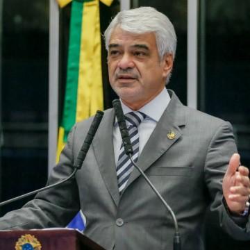 Humberto defende que o PT entregue cargos: