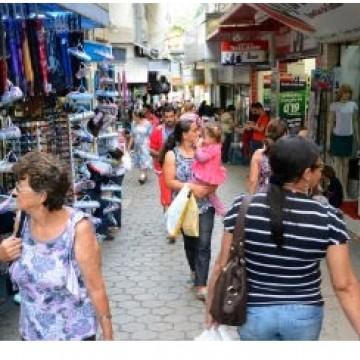 Saiba como vai funcionar o comércio de Caruaru no dia do comerciário