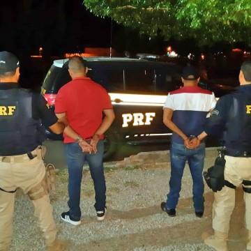 Dois homens são detidos com carro adulterado e cédulas falsas na BR-116