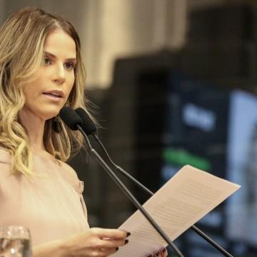 PL prevê aplicação de multa para quem divulgar notícias falsas