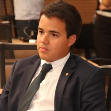 Rodrigo Coutinho realiza debate sobre assédio e feminicídio em Audiência Pública no Recife