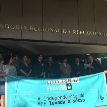 Membros do Ministério Público Federal em PE protestam contra a escolha do procurador geral da República