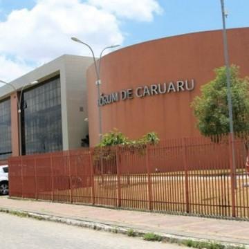 Famílias do Conjunto Habitacional Rendeiras, de Caruaru, recebem indenizações