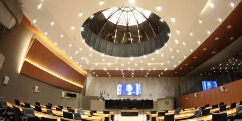 A votação ocorre mesmo após diálogo entre o Fórum dos Servidores e parlamentares para adiar a discussão sobre a previdência para o próximo ano
