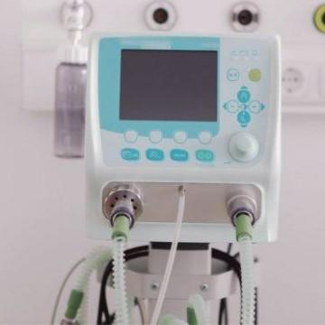 Pesquisadores criam válvula para compartilhamento de respiradores