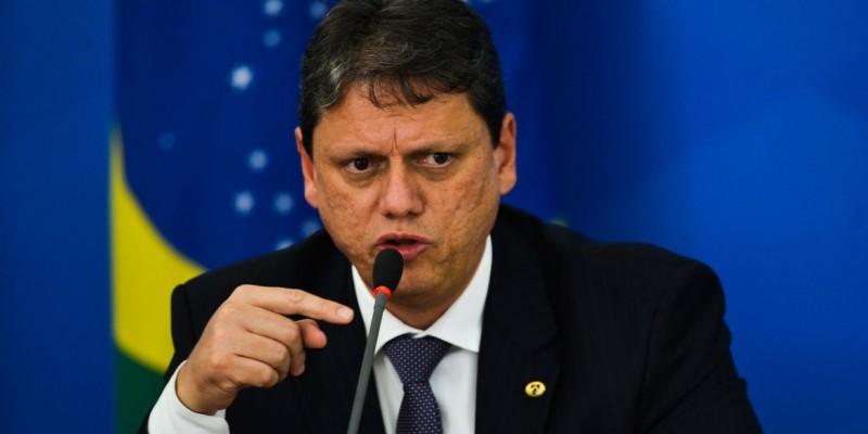 Tarcísio de Freitas diz que Congresso precisa analisar questão